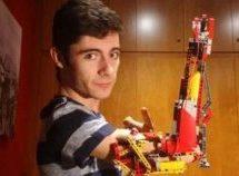 Ισπανία: Έφηβος κατασκεύασε το προσθετικό χέρι του με τουβλάκια Lego