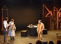 Λαμπερή πρεμιέρα για το «Dogville» του Θεσσαλικού Θεάτρου