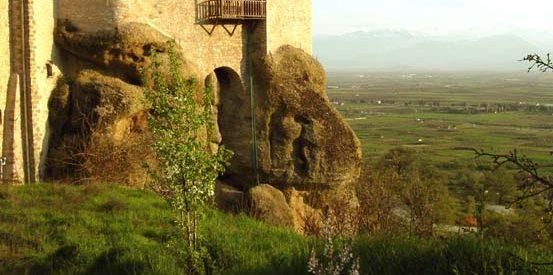 Πανηγυρίζει το ιστορικό μοναστήρι των Αγίων Θεοδώρων