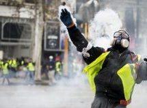 «Κίτρινα Γιλέκα» – Πεδίο μάχης το Παρίσι, εκατοντάδες συλλήψεις και πόλεμος με τους αστυνομικούς