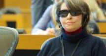Η ευρωβουλευτής Κωνσταντίνα Κούνεβα με τον Κώστα Κωστούλα στην TRT