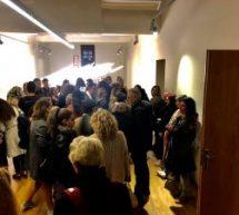 Με επιτυχία η παράσταση «Κεκλεισμένων των θυρών» στο Μουσείο Τσιτσάνη