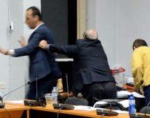 Στο Δημοτικό Συμβούλιο Φαρκαδόνας η κατάσταση έχει ξεφύγει και δύσκολα ανατρέπεται