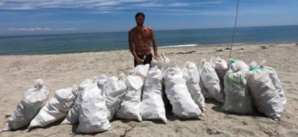 Τη δική του συνεισφορά προς το περιβάλλον κατέθεσε 30χρονος  ράπερ  μαζεύοντας χιλιάδες σκουπίδια από ακτή της Λάρισας.