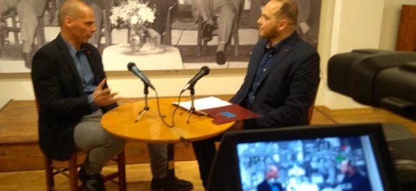 Γιάνης Βαρουφάκης με τον Κώστα Κωστούλα στην TRT