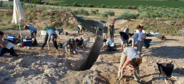 Βρέθηκε μνημειώδης μυκηναϊκός τάφος στον Ορχομενό -Με πολεμιστή, όπλα και κοσμήματα [εικόνες]