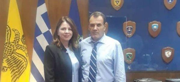 Η Κατερίνα  Παπακώστα στον Υπουργό Άμυνας