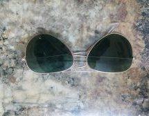 Βρέθηκαν γυαλιά