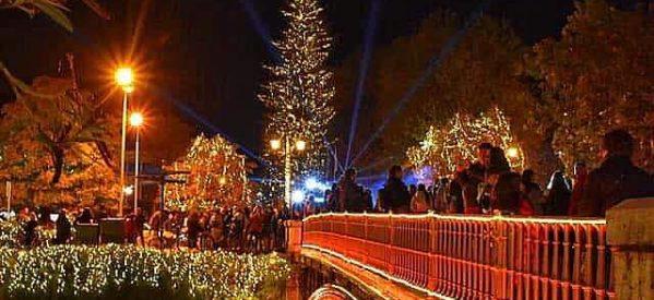 Νυχτερινή βόλτα στα Χριστουγεννιάτικα  Τρίκαλα