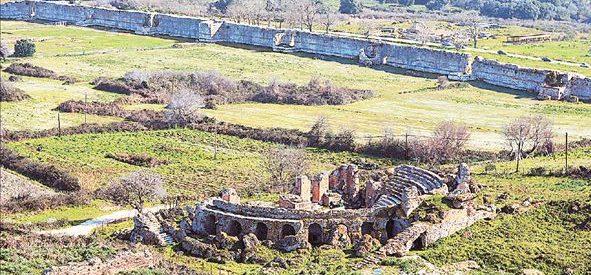 H μελέτη του Τρικαλινού Γιώργου Χατζηστεργίου  για το Ωδειο της αρχαίας Νικόπολης