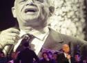 Ο αγαπημένος Δημήτρης Μητροπάνος ήταν μεγάλος καλλιτέχνης και μέγιστος άνθρωπος – Τραγούδησε τις αγωνίες και τους αγώνες του λαού