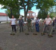 Εθελοντές έκοψαν χόρτα και ομόρφυναν το Λογγά