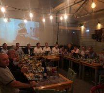 Στο δείπνο των «γαλάζιων» δημάρχων ο Παπαστεργίου Ποιοι έδωσαν το «παρών»