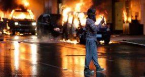10 άτομα έχουν χάσει τη ζωή τους κατά τη διάρκεια των ταραχών -Οργή και διαδηλώσεις  στις ΗΠΑ