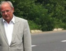 Ο Τάκης Σαράντης αποχαιρετά τον Λευτέρη Ταμπουρά
