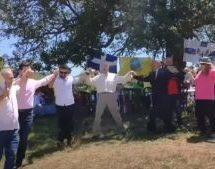 Λάρισα: Χουντογλέντι με κλαρίνα και χορό με φωτογραφία του Παπαδόπουλου (Video)