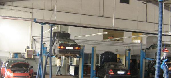 Διέρρηξαν συνεργείο αυτοκινήτων στην Καλαμπάκα