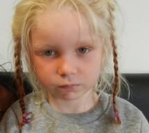 Αυτό το ξανθό κοριτσάκι βρέθηκε σε οικισμό Ρομά. Γνωρίζετε κάτι;