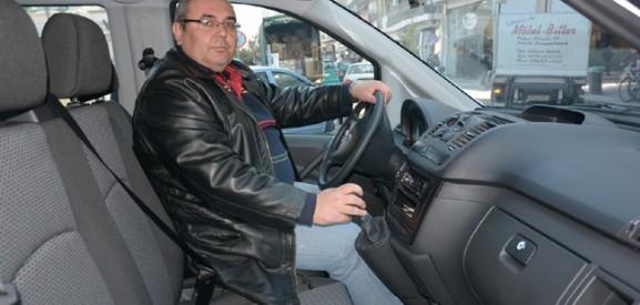 Η άδεια πιάτσα τον οδήγησε σε 8θέσιο ταξί