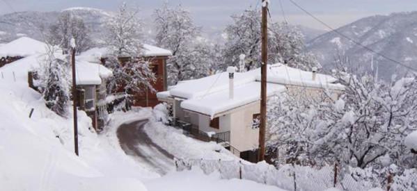 Συνεχίζεται η χιονόπτωση στα ορεινά του νομού μας
