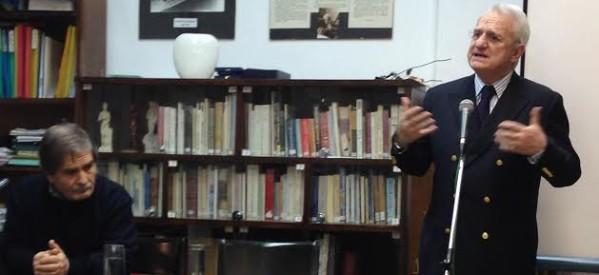 Παρέμβαση Χατζηγάκη μέσω παρουσίασης βιβλίου για τον Καραμανλή
