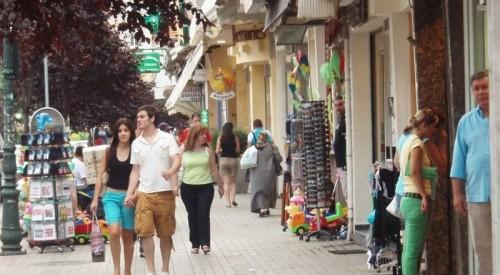 Σήμα κινδύνου για το ελληνικό εμπόριο
