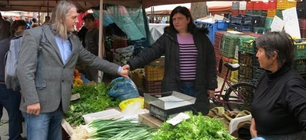 """Η """"Τρίκκης Πολιτεία"""" κοντά στους ανθρώπους της λαϊκής αγοράς των Τρικάλων"""