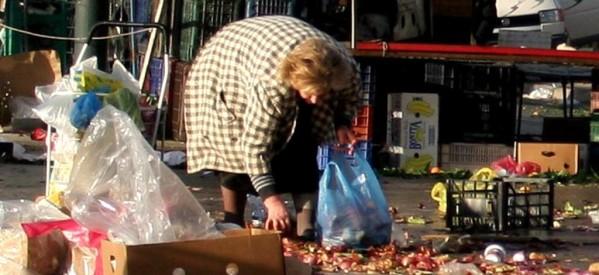 Τέταρτοι φτωχότεροι Ευρωπαίοι οι Έλληνες