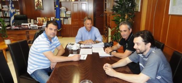 Στο πλευρό των υπαλλήλων ενάντια στην αξιολόγηση ο Χρ. Μιχαλάκης