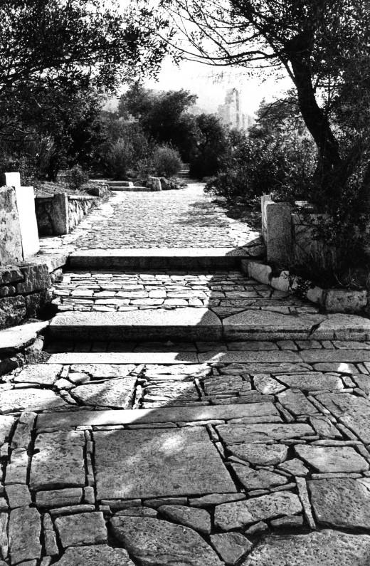 Διαμόρφωση του χώρου γύρω από την Ακρόπολη και τον Λόφο του Φιλοπάππου, 1954-1958.