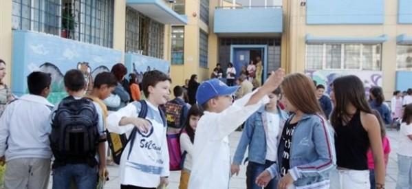 Ο Λοβέρδος ξαναλλάζει τον σχεδιασμό για τα σχολεία