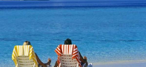Από Δευτέρα αιτήσεις για διακοπές μέσω ΟΑΕΔ