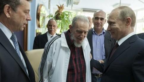 Με τον Φιντέλ Κάστρο συναντήθηκε ο Πούτιν στην Κούβα