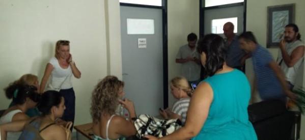 Συμπαράσταση στον αγώνα των καθαριστριών του νοσοκομείου Τρικάλων