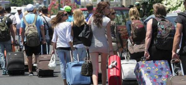 Η αύξηση τουριστών οδηγεί στη …μείωση των εσόδων!