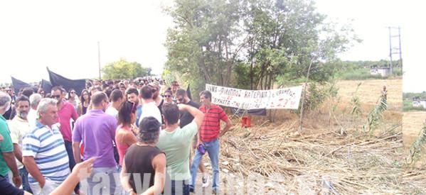 Οργή λαού με ηχηρή σιωπή για την τραγωδία στη Μαγνησία