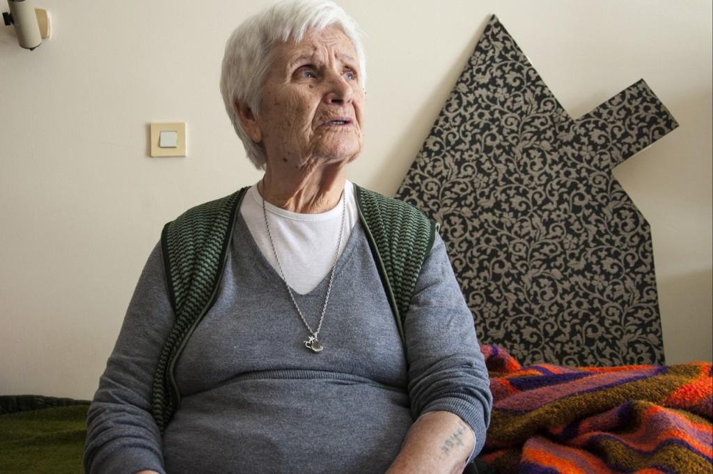 Ζάννα Σαντικάριο-Σαατζόγλου: Γεννήθηκε στην Θεσσαλονίκη απ' όπου και εκτοπίστηκε. Σήμερα ζει ακόμα στην γενέτειρα της.