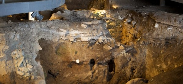 Ανοιχτό για την πανσέληνο το σπήλαιο Θεόπετρας