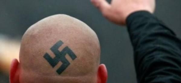 Αποβλήθηκε από την αίθουσα του Δ.Σ. Θεσσαλονίκης επειδή φορούσε μπλούζα με ναζιστικό σύμβολο