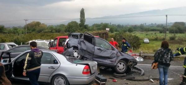 Εφιαλτική καραμπόλα 40 αυτοκινήτων στην Εγνατία – Τέσσερις οι νεκροί (upd)