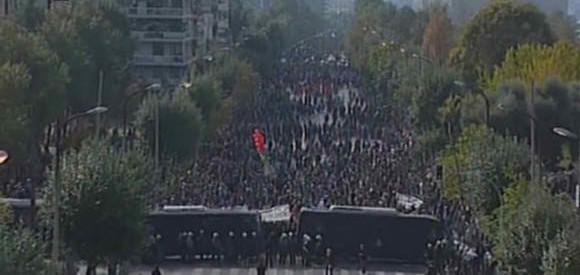 Κάτω τα χέρια από τους διωκόμενους αγωνιστές της Παρέλασης του Λαού.