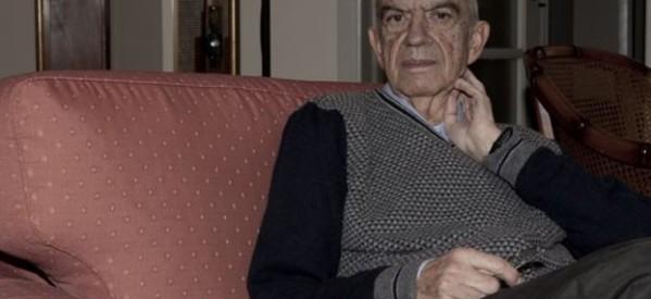 Δολοφόνησαν τον συγγραφέα Μένη Κουμανταρέα