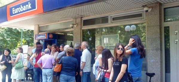 Κλείνουν άλλα 1000 τραπεζικά καταστήματα