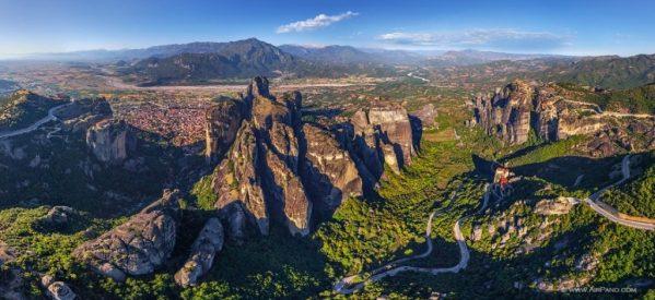 Μνημείο παγκόσμιας κληρονομιάς της UNESCO ή ιδιοκτησία των μοναστηριών τα Μετέωρα ;
