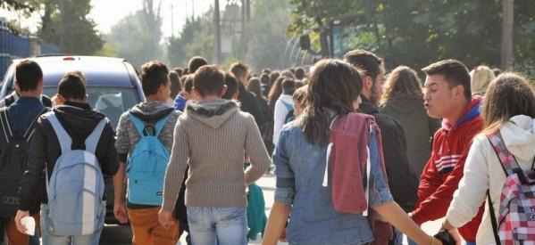 Μαθήματα ανθρωπιάς και ήθους από μαθητές του 1ου Γυμνασίου – βρήκαν μεγάλο χρηματικό ποσό και το παρέδωσαν