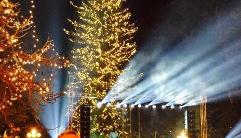 Την Παρασκευή θα φωταγωγηθεί το χριστουγεννιάτικο δέντρο στην πλατεία