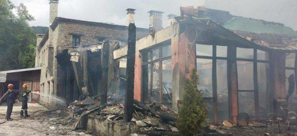 Υπό έλεγχο τέθηκε η φωτιά στο ξενοδοχείο ΠΥΡΓΟΣ ΜΑΝΤΑΝΙΑ