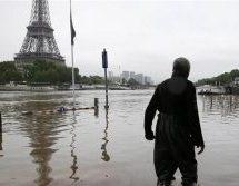 Γαλλία: Με θρίαμβο ο Φιγιόν υποψήφιος της δεξιάς για την προεδρία