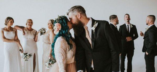 Ο πιο συγκινητικός γάμος που έχετε δει ποτέ: Η παράλυτη νύφη σηκώνεται όρθια & στέκεται πλάι στον δακρυσμένο γαμπρό