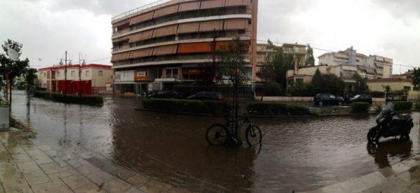 Οι καταιγίδες πλημμύρισαν τα Τρίκαλα